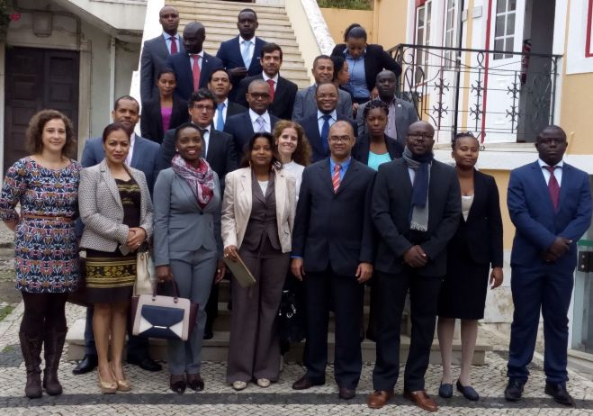 Formação de formadores nas áreas da corrupção, branqueamento de capitais e tráfico de estupefacientes - 17 de outubro a 15 de novembro 2016, instalações do CEJ, Lisboa