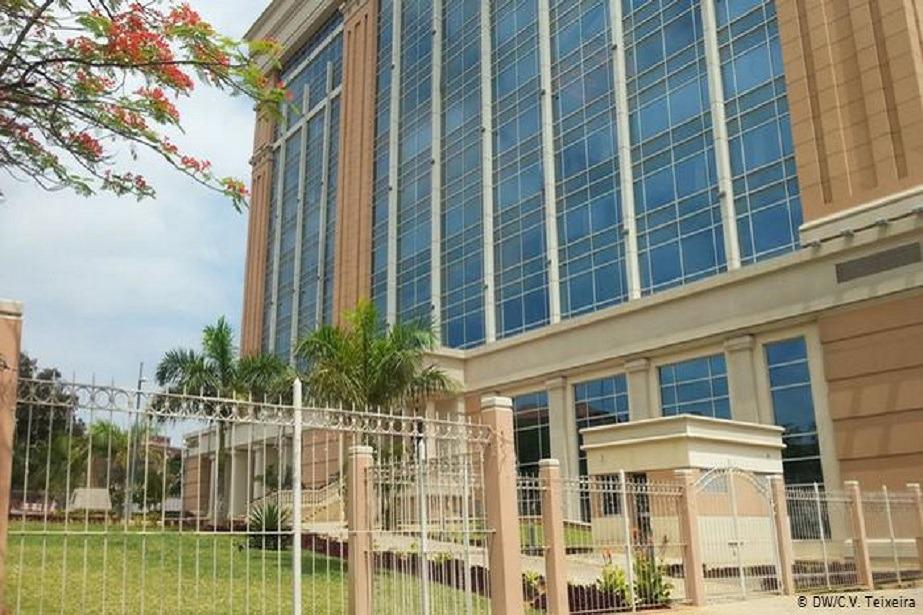 PGR angolana manda apreender mais dois prédios
