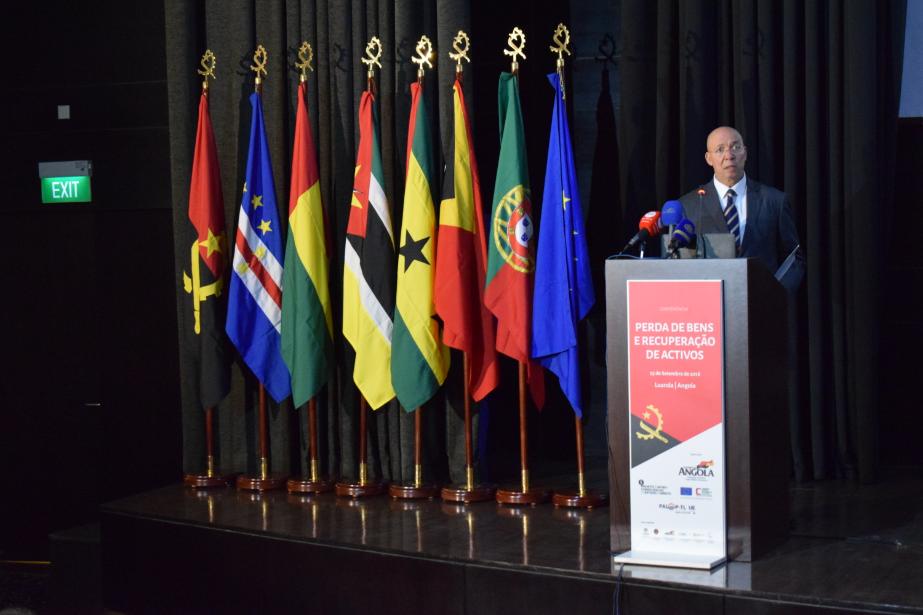 Angola: conferência