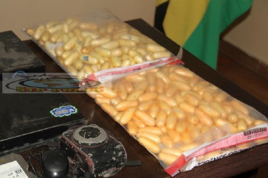 Dois guineenses detidos no aeroporto de São Tomé com 5 quilos de cocaína no organismo