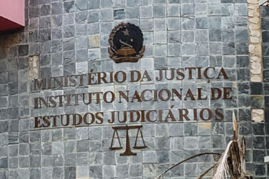 Instituto Nacional de Estudos Judiciários de Angola organiza sessões de estudo sobre os novos  Códigos Penal e de Processo Penal
