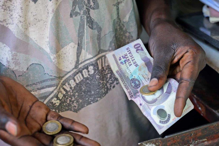 Doze pessoas acusadas de desviar 1,6 milhões de Ministério de Moçambique