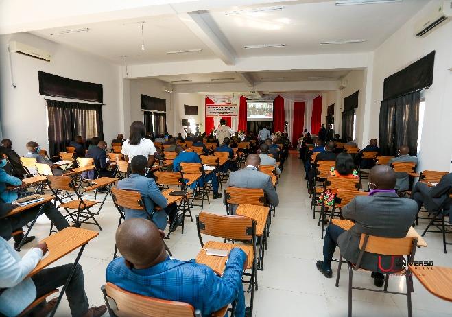 Sessão de Abertura, Huambo